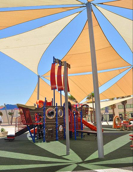 Построить тенты над детскими площадками