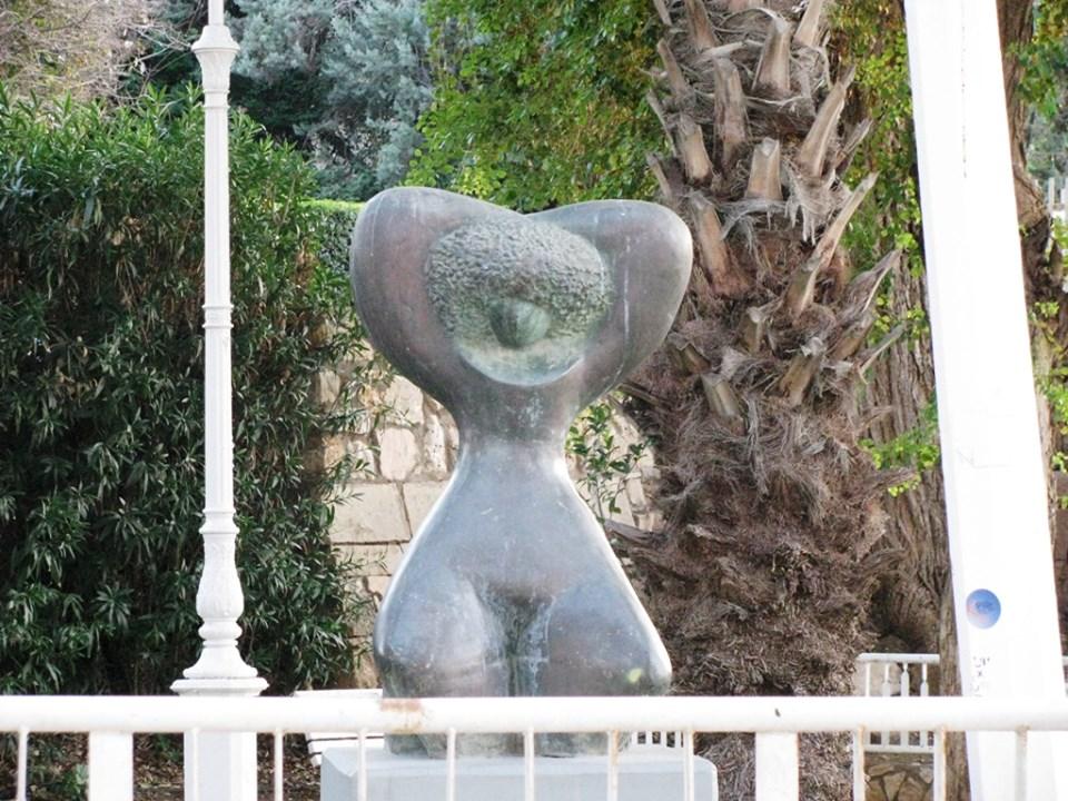 Скромный памятник на Гаатоне